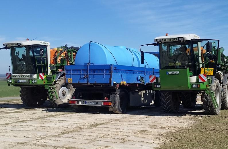 Wasser- und Flüssigdüngertransporte ans Feld